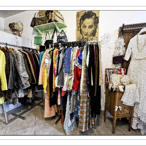 Bienvenue chez FAIT ET AFFAIRE,  boutique où vous trouverez des articles originaux des tarifs très attractifs !